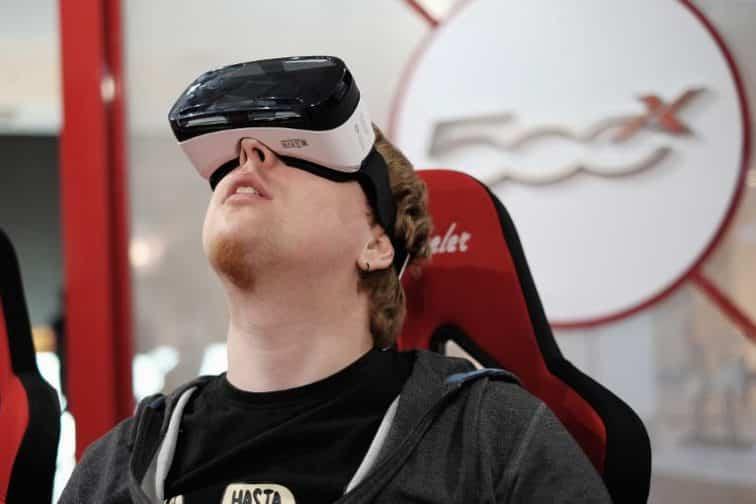 La realtà virtuale potrà cambiare il Social Customer Service